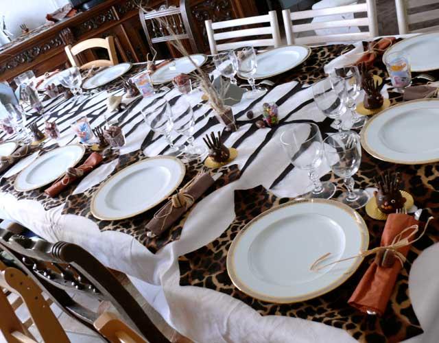 d co table th mes afrique d coration personnalis e de table. Black Bedroom Furniture Sets. Home Design Ideas
